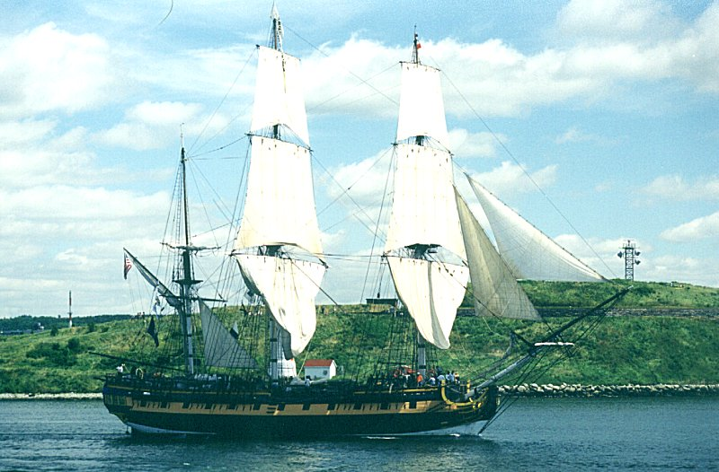 Lunenburg Nova Scotia >> Tall Ships 2000 - Halifax, NS